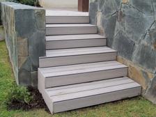 Ver escaleras con deck Timbertech →