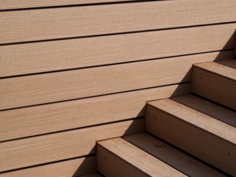 Deck timbertech para pisos y terrazas for Modelos de gradas de madera