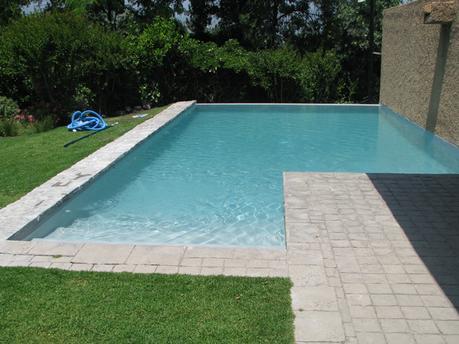 Revestimiento para piscinas aquaplan en casa particular for Revestimientos de piscinas