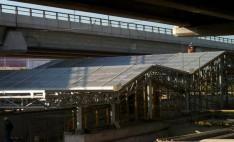 Cubiertas de techo con policarbonato compacto en metro