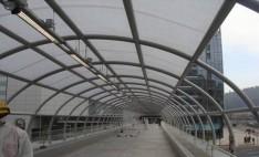 Cubierta de pasarela Costanera center con Policarbonato alveolar