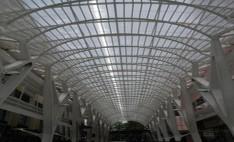 Cubierta de techo Paseo las palmas con policarbonato Alveolar