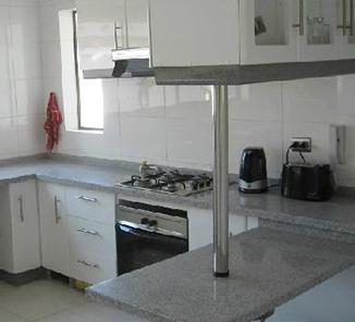 Pata base 70 cm cromado en accesorios para muebles patas for Patas muebles cocina