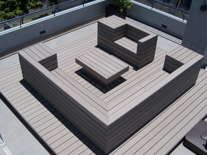 Deck para pisos color gris en lounge terraza proyectos - Estanque terraza piso ...