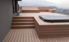 Aplicación de Deck en terraza con jacuzzi