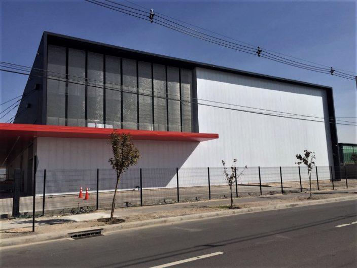 Fachada invertida con Sistema Danpalon para Papelera Santa Bárbara